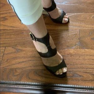 White House Black Market Alianna Wedges